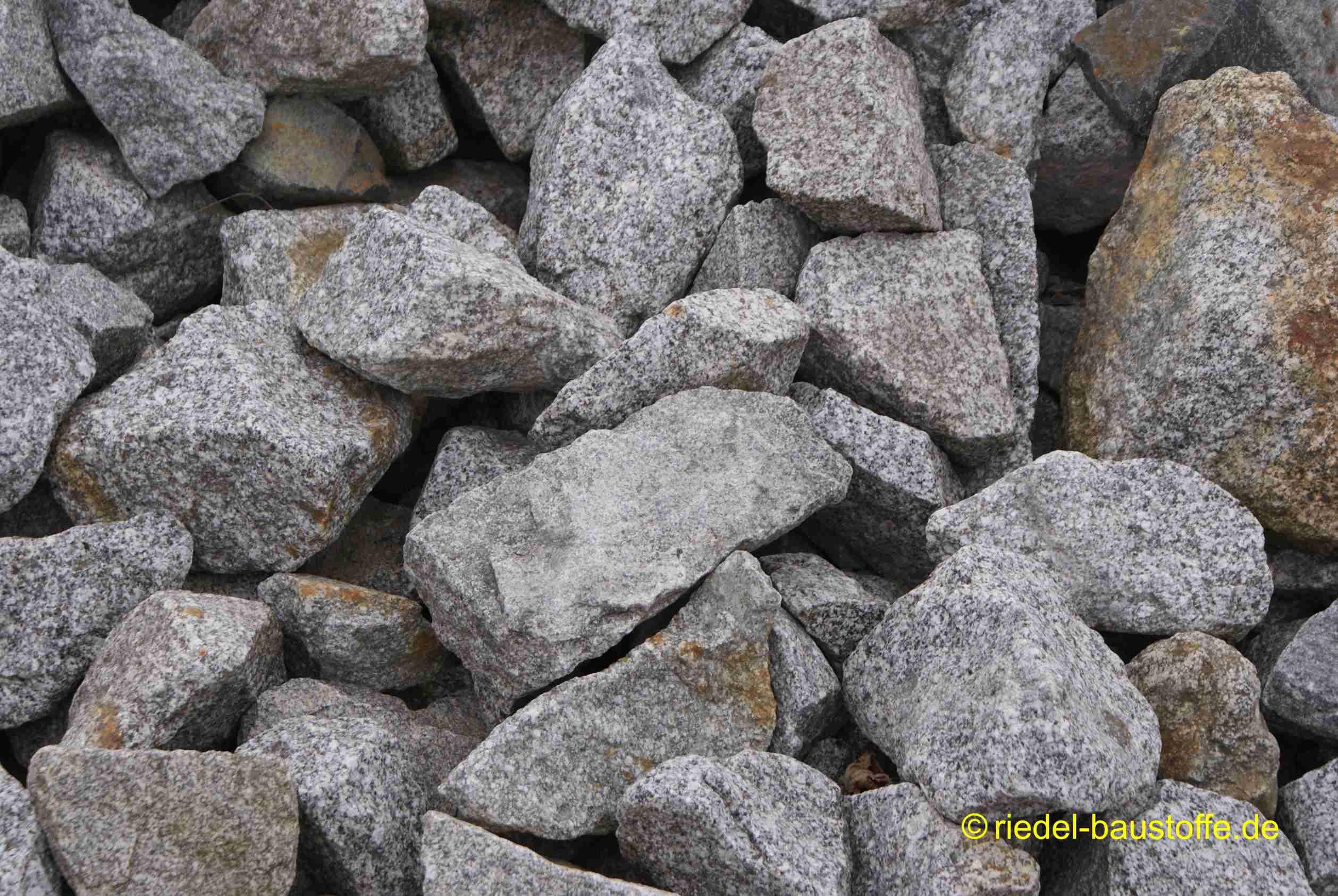 Steingarten Granit 80/300